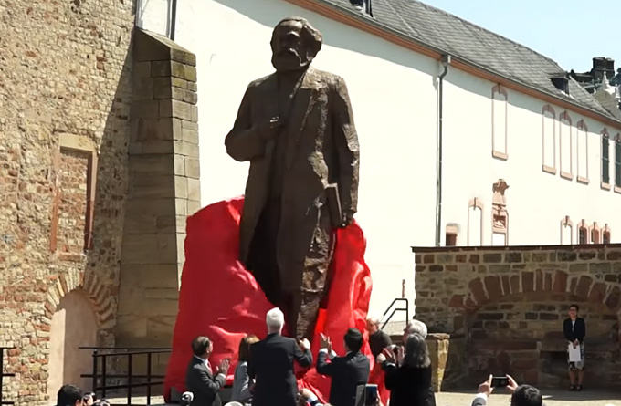 Video: Trier enthüllt Karl-Marx-Statue