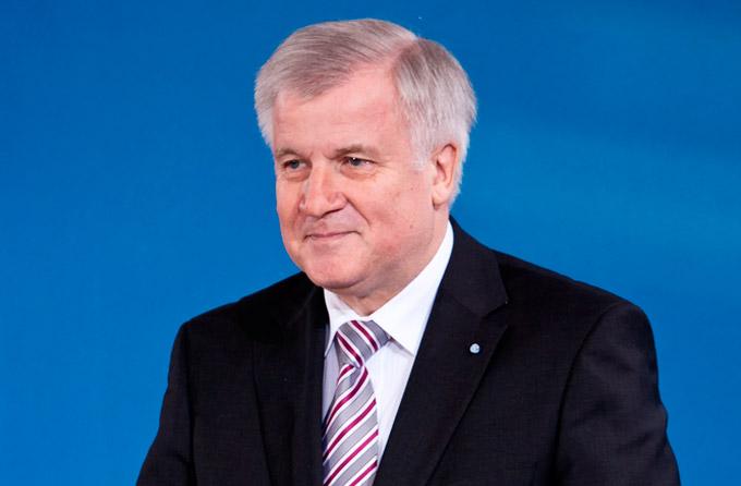 Seehofer: Diejenigen die gewählt wurden, haben nichts zu entscheiden