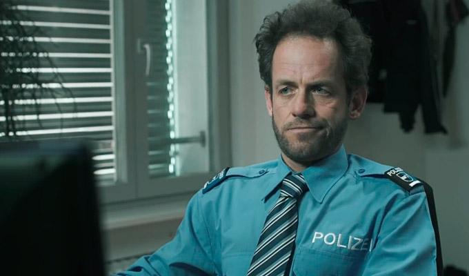 Video: Wenn die Polizei wirklich alles weiß - Kurzfilm zum Schweizer Überwachungsgesetz