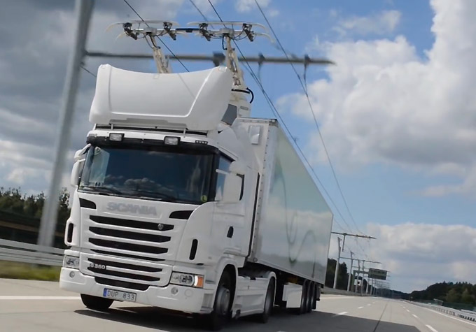 E-Highway: Scania-Trucks bekommen Saft von oben